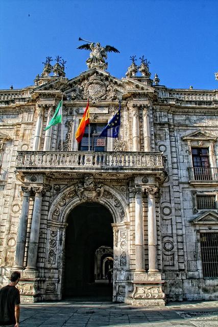 Puerta de la Real Fabrica de Tabaco,    ( Sevilla )