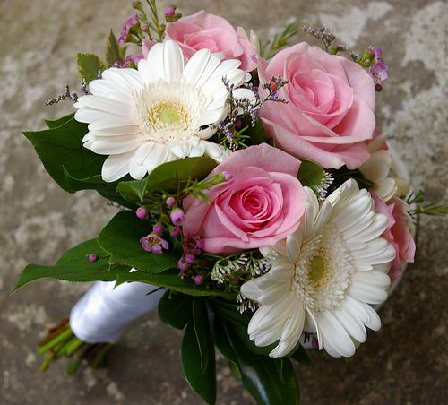 Beautiful June Wedding Flowers Arrangements: 17 Best Images About June Wedding Flowers On Pinterest