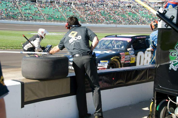 Roo Motorsport with Australian sponsor Broo Beer