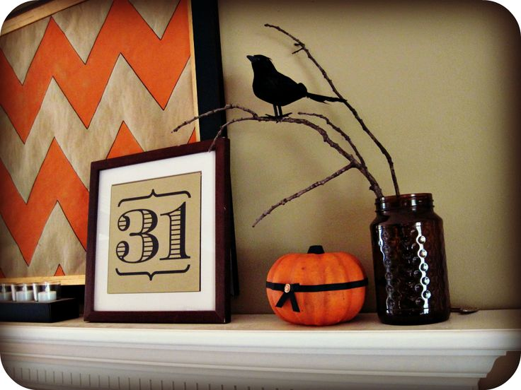 chevron Halloween mantle by LaughingAbi.com