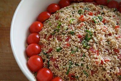 Mat På Bordet | En matblogg med oppskrifter fra morgen til kveld | Couscous salat med tomater og basilikum