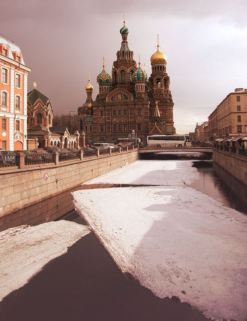 Church of the Savior on Blood, St Peterburg Russia: http://agritopelaoporelmundo.blogspot.com.es/