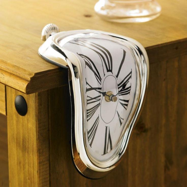Αν είστε λάτρεις της κλασσικής ζωγραφικής, το λιωμένο ρολόι , εμπνευσμένο από τους πίνακες του Νταλί θα σας εκπλήξει.