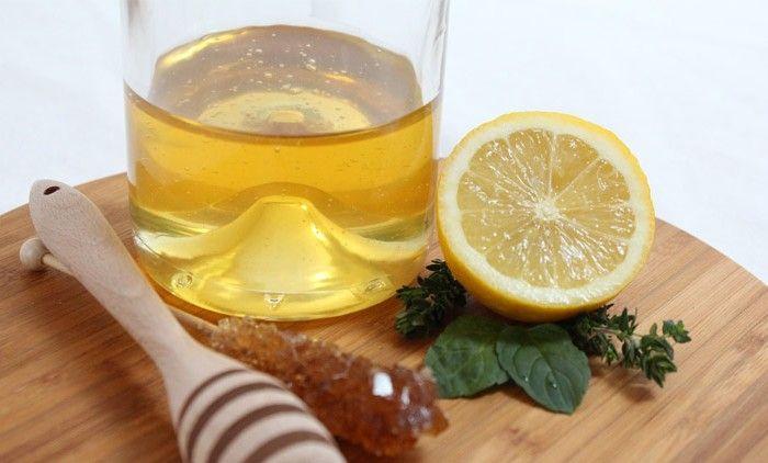 Segelas Lemon Dan Madu Hangat Setiap Hari Untuk Kebugaran Dan Kecantikan