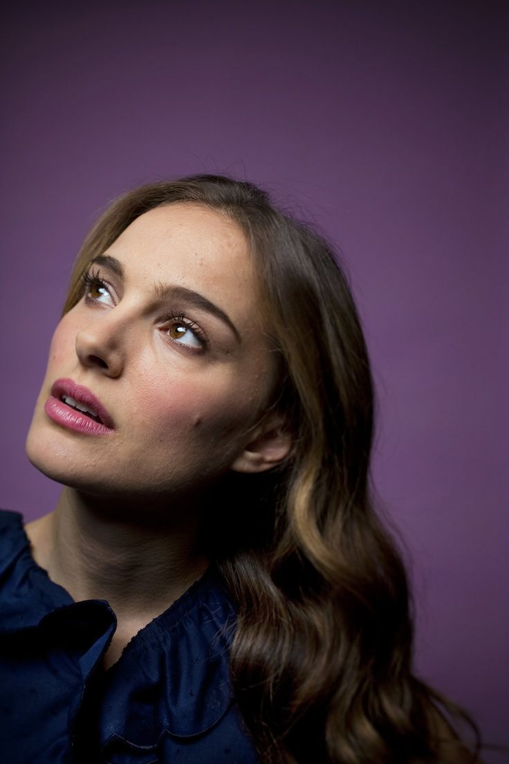 Natalie Portman for Los Angeles Times by Jay L. (November 28, 2010) From natalieportman.com