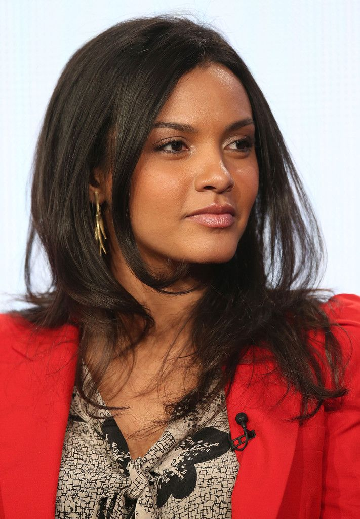 Jessica Lucas Lipgloss - Jessica Lucas put on pretty pink lipgloss to speak at…