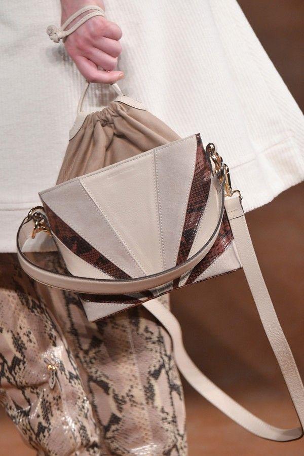 50916426d A bolsa geométrica é tendência cool do São Paulo Fashion Week N46 em ...
