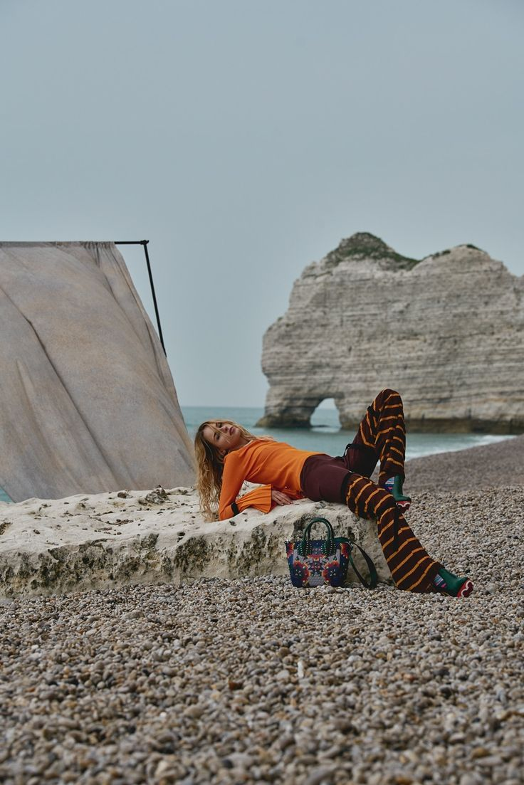 Photography: DeMarcus Allen. Styled by: Simon Gensowski. Hair: Chiao Shen. Makeup: Lorandy. Model:Karolina Smetek.