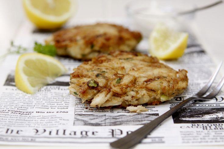 Jumbo Lump Crab Cakes via @Paula - bell'alimento