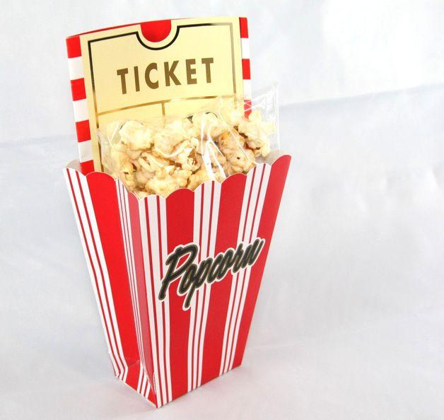 Einladungskarten fürs Kino in witziger Popcorn-Optik / gift packing idea for voucher made by Gift2Go via DaWanda.com