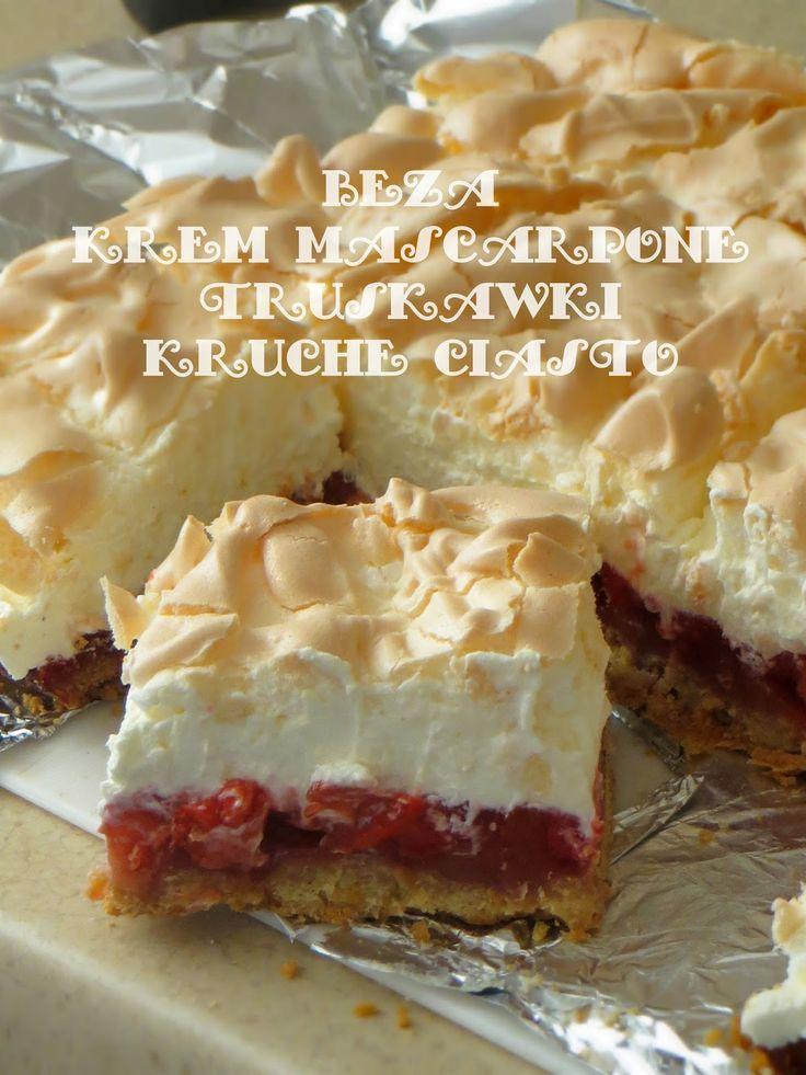 Secret way to the kitchen: Ciasto z kremem, truskawkami i bezą