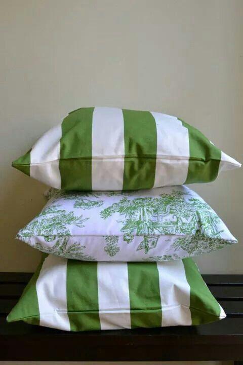 Cojines blanco y verde