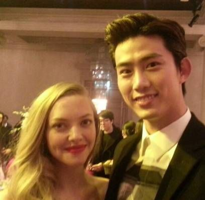 Taecyeon and Eric Nam snap photos with 'Mean Girls' and 'Les Miserables' star Amanda Seyfried | http://www.allkpop.com/article/2013/12/taecyeon-and-eric-nam-snap-photos-with-mean-girls-and-les-miserables-star-amanda-seyfried
