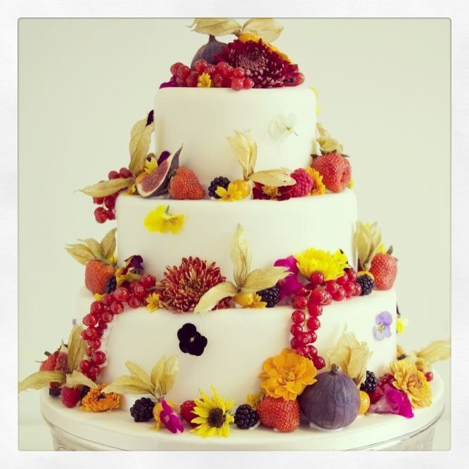Wedding Cake Flowers Edible: 77 Best Cakes With Edible Flowers Images On Pinterest