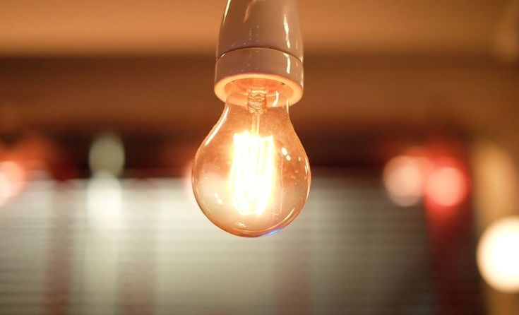 How to Fix a Flickering Light Bulb