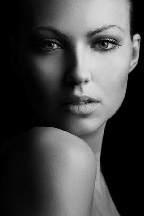 Beauty shot! so elegant and simple this is true talent at work both the photographer ard the model