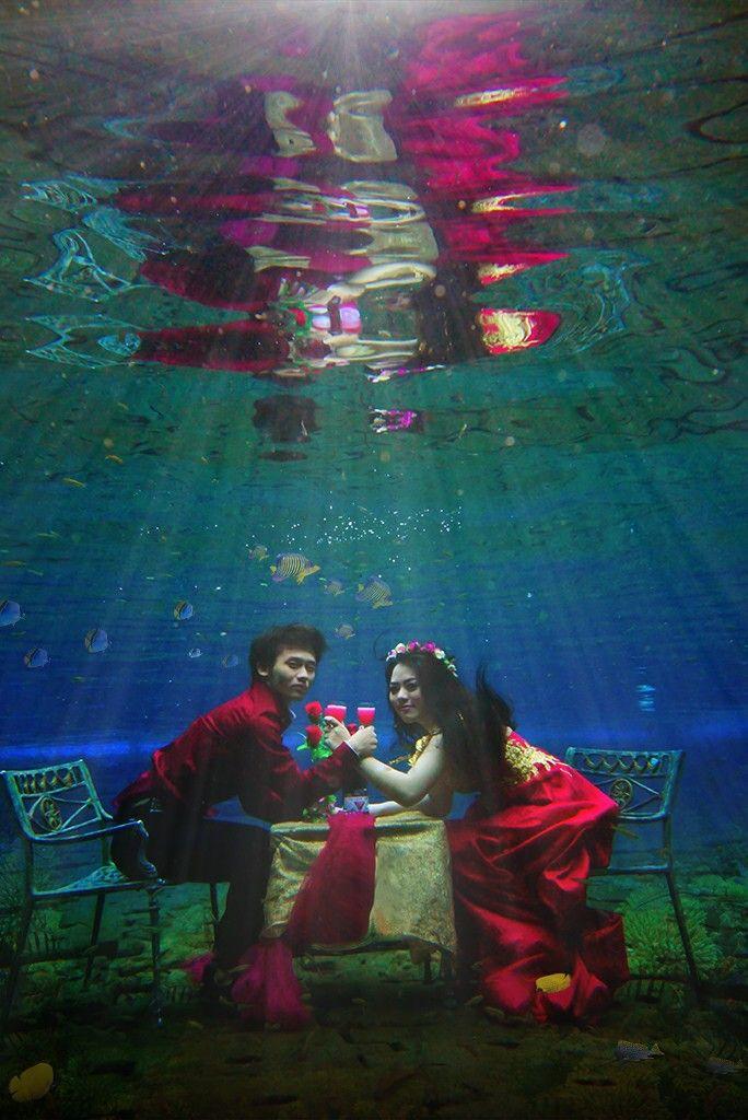 dinner underwater photography ideas