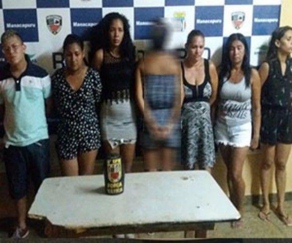 Polícia de Manacapuru/bando/liderado por mulheres/furtos em lojas/supermercado Policiais Militares lotados no 9º Batalhão de Polícia Militar (BPM) do município de Manacapuru (Região Metropolitana de Manaus) prenderam um bando no início da noite desta quinta-feira (9), acusado de praticar furtos a lojas e um supermercado da cidade. De acordo com as informações do 9º BPM, por volta de 18h30, uma denúncia anônima foi enviada informando que integrantes do grupo suspeito de ter realizado os…