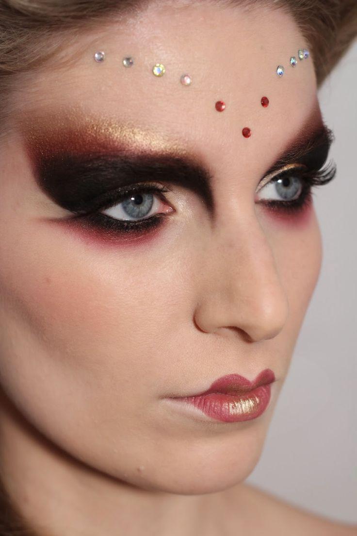 Venetian Mask | Carnival look