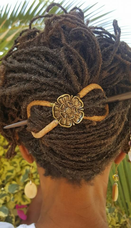 The Lilla Rose Flexi clip is super-comfy, holds tons of hair, and won't snag or pull your locs!