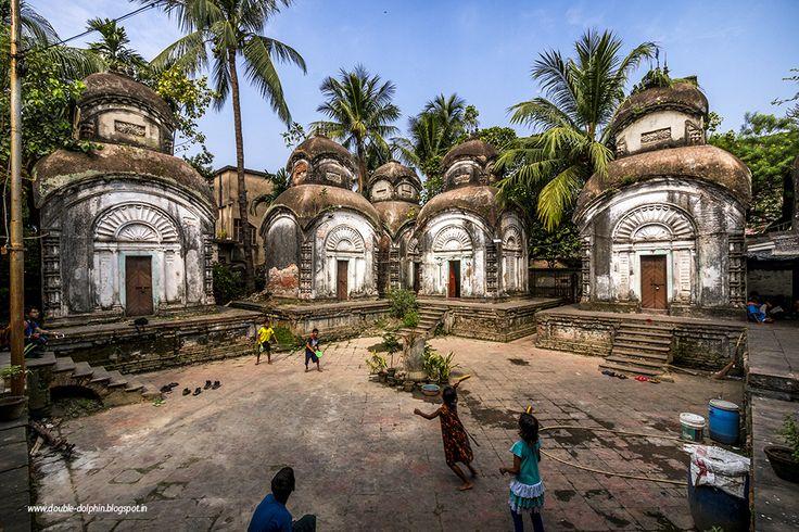 The Concrete Paparazzi: Kamarghat Dwadosh Shiv Mandir, Prankrishna Chandra Lane