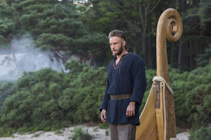 Vikings S01E01 Review: 'Rites Of Passage' [Series Premiere]   Better With Popcorn Travis Fimmel Ragnar Lothbrok.