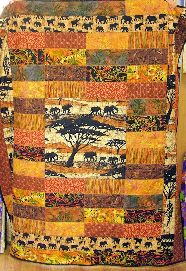 AFRICAN INFLUENCED DESIGN QUILT.............PC