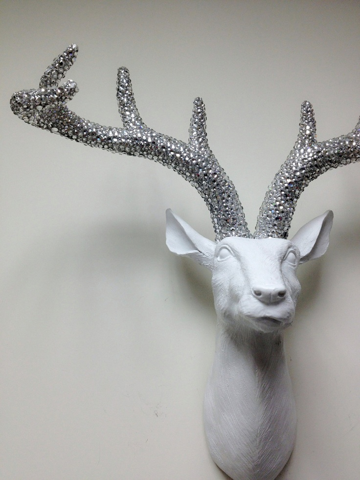 white w silver crystals antlers deer hear faux taxidermy deer head wall hanging the wall. Black Bedroom Furniture Sets. Home Design Ideas