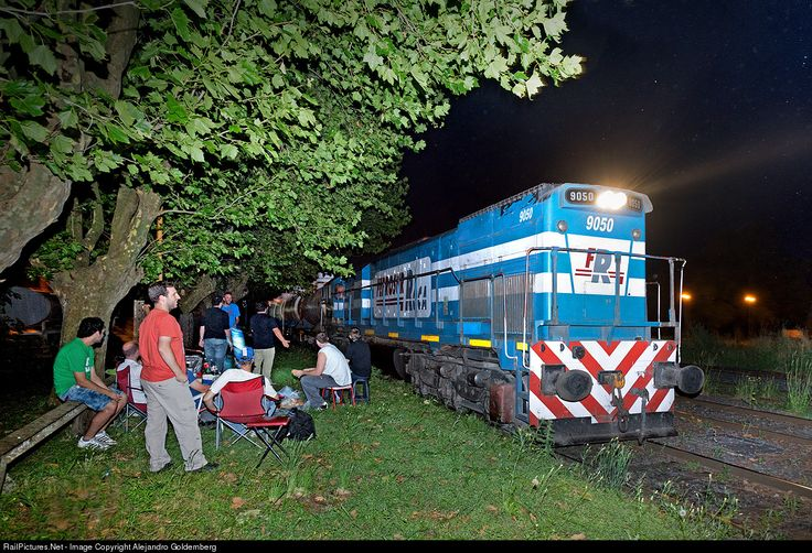 9050 Ferrosur Roca EMD GT22CW at Buenos Aires, Argentina by Alejandro Goldemberg