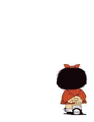 Mafalda...... Muy pensativa.Me ha encantado siempre....me gustaria haber sido,o ser como ella