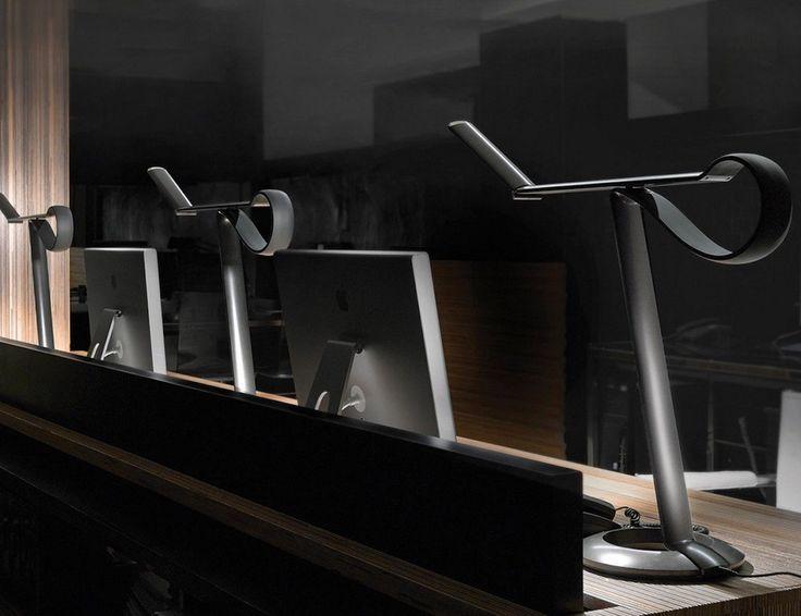 Marvelous Compasso LED Desk Lamp » Review