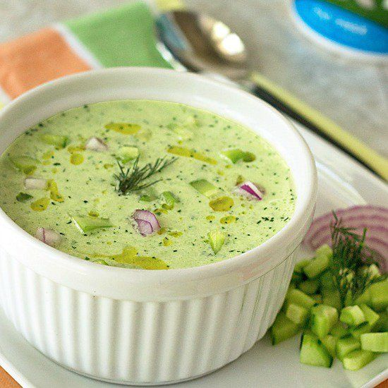 Blog post at Its Yummi : This recipe for chilled cucumber soup will be the refreshing star at your summer picnic this year! Summer heat means cold soups are in order[..]