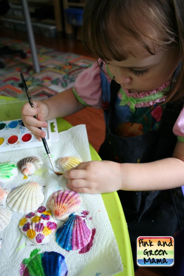 Pink and Green Mama: Summer Beach Craft for Kids: Painting Seashells with Children