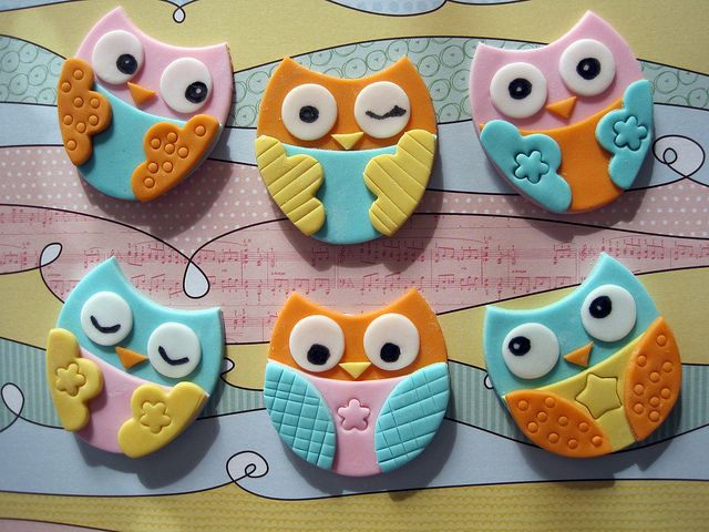 inspiration Owl cupcake toppers - would be cute in polymer clay... Und als Magnet geeignet