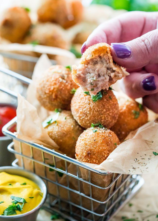 Dutch meatballs known as Bitterballen are a classic Dutch bar snack. Bitterballen, one of Holland's favorite snacks, are bite-size beef and gravy croquettes usually served along with beer.