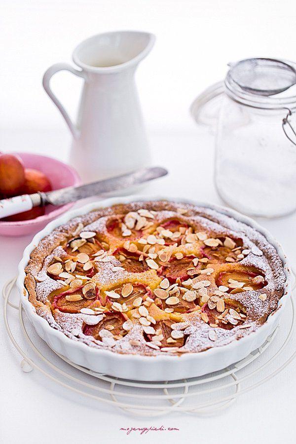 Marcepanowa tarta ze śliwkami