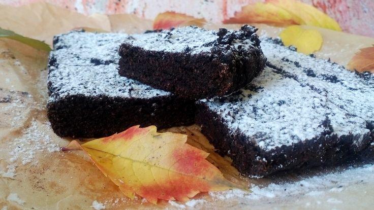 Sütőtökös brownie cukor nélkül, liszt nélkül, csökkentett szénhidráttartalommal! Paleo, tejmentes sütőtökös diétás süti recept fogyókúrázóknak, diétázóknak!