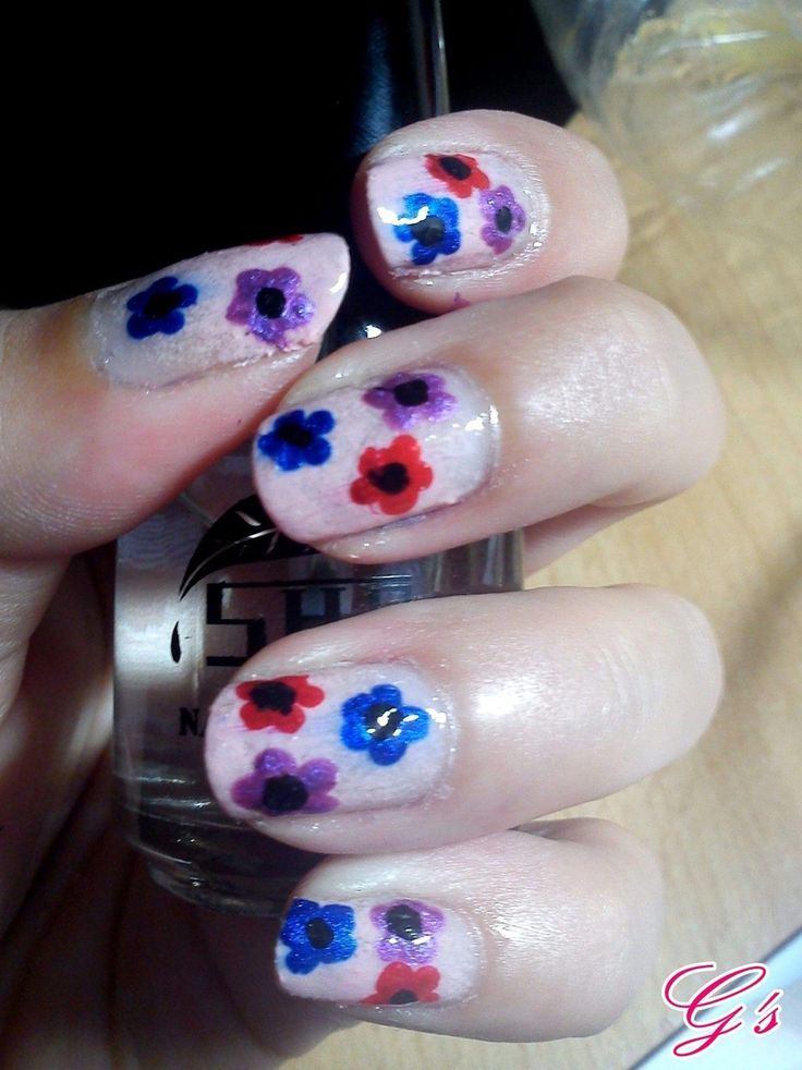 The easiest flowers ever! (2012) #nail #nails #Gs #flower #flowers