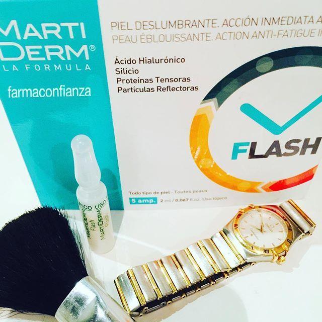 """☺️ Para esos días que tienes que tener """"buena cara"""" me encantan las #ampollas #flash de #Martiderm con #silicio #Acidohialuronico y proteinas tensoras: me dejan la #piel muy hidratada y jugosa  http://bit.ly/1KqodKD  farmaconfianza #farmaciaonline #farmacia #cosmetica #cosmetics #cosmetic #cosmeticanatural #blog #blogger #ampollasflash #flash"""