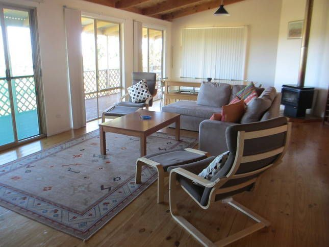 Oceanview Holiday Haven, Preston Beach - looks like it has a nice view of the ocean to chill out, is pet friendly and has a wood fire!