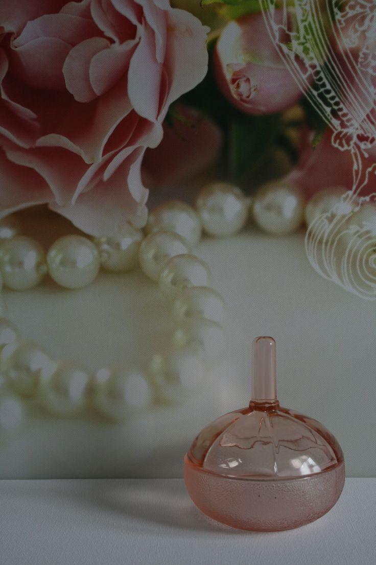 Roze glazen ringenschaaltje - géén schaaltje! Alleen voor ringen! Just for rings!