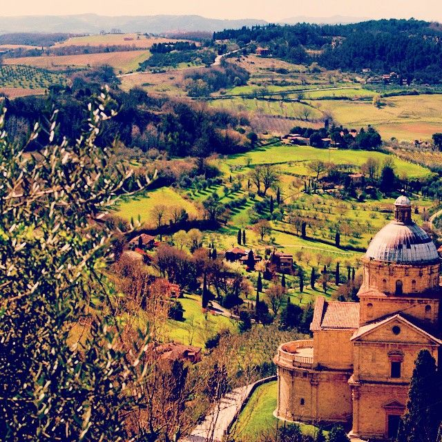 Montepulciano, Southern Tuscany #montepulciano #Tuscany #hilltown #siena #medieval #wine #picoftheday #feelingyourworld #italy #europe #eurotrip #guide #ilovetravel #instatravel #instagood #passportready #tourist #travelphotography #travel #traveladvice #travelblog #travelguide #greatshot #greatspot #wanderlust