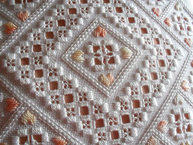 Sew in Love: Cushion