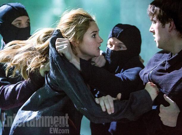 Divergent Stills, Tris being hijacked maybe?