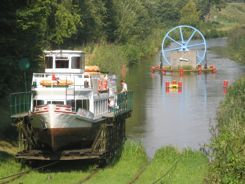 Elblag Canal Poland ... see the boat moving on the rails ?