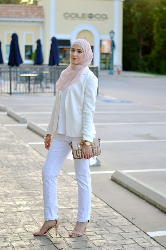 #Hijab with #blazer. Love the clean and minimalistic look!
