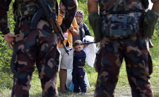 Hungría declara estado de emergencia en dos regiones fronterizas con Serbia, lo que permite la operación del Ejército