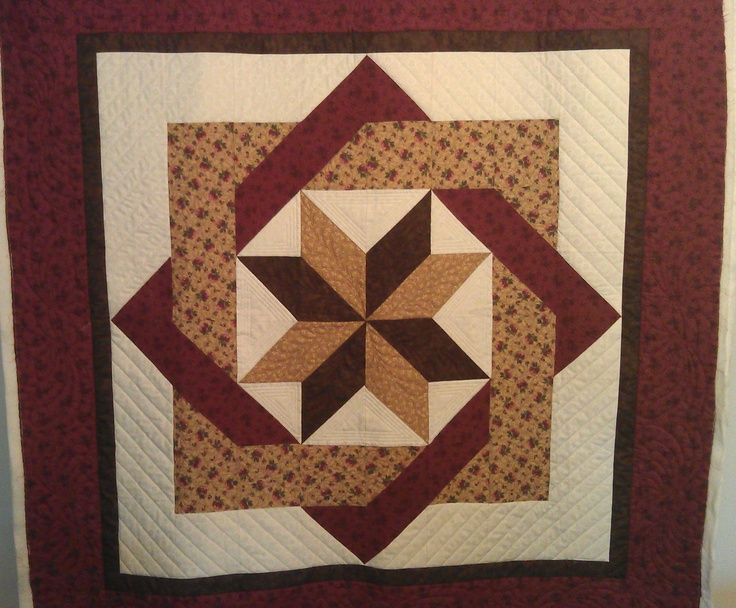 Labyrinth Quilt Pattern Free Download : 40 best images about Labyrinth quilts on Pinterest Batik quilts, Wedding quilts and Quilt