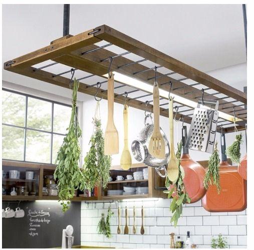 Conexão Décor Jirau com luminaria, da linha Gourmet, na Tok&Stok http://conexaodecor.com/2017/07/cozinhas-de-verdade-parte-2/