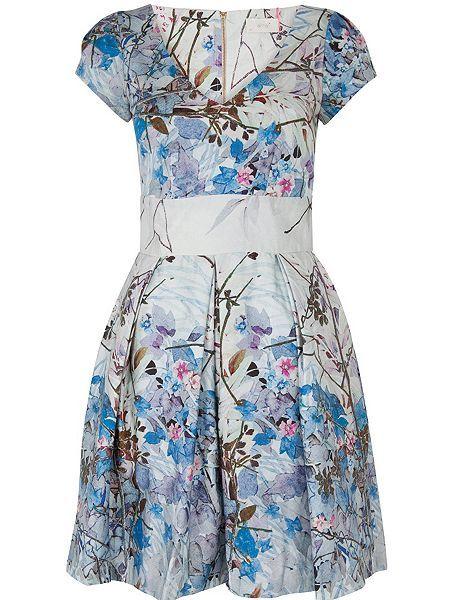V Neck Floral Pleat Dress